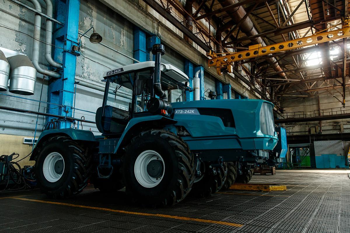 За лютий-квітень ХТЗ випустив 302 трактора