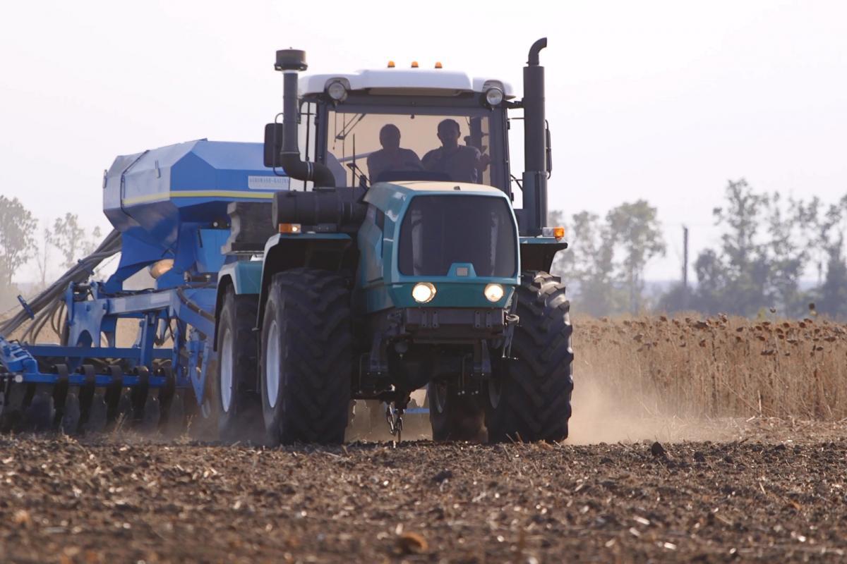 Харьковский тракторный завод представил технику на выставке Агроэкспо-2017
