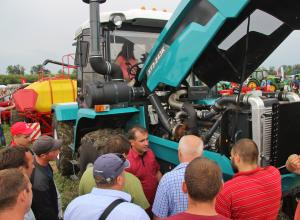 XTZ tractors took part in LOZOVA MACHINERY event