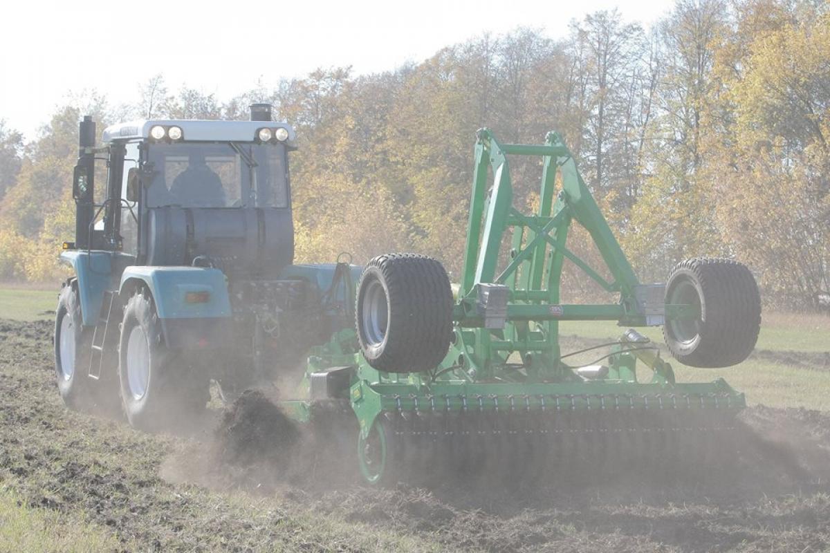 XTZ wheel tractors of 240 series. Video