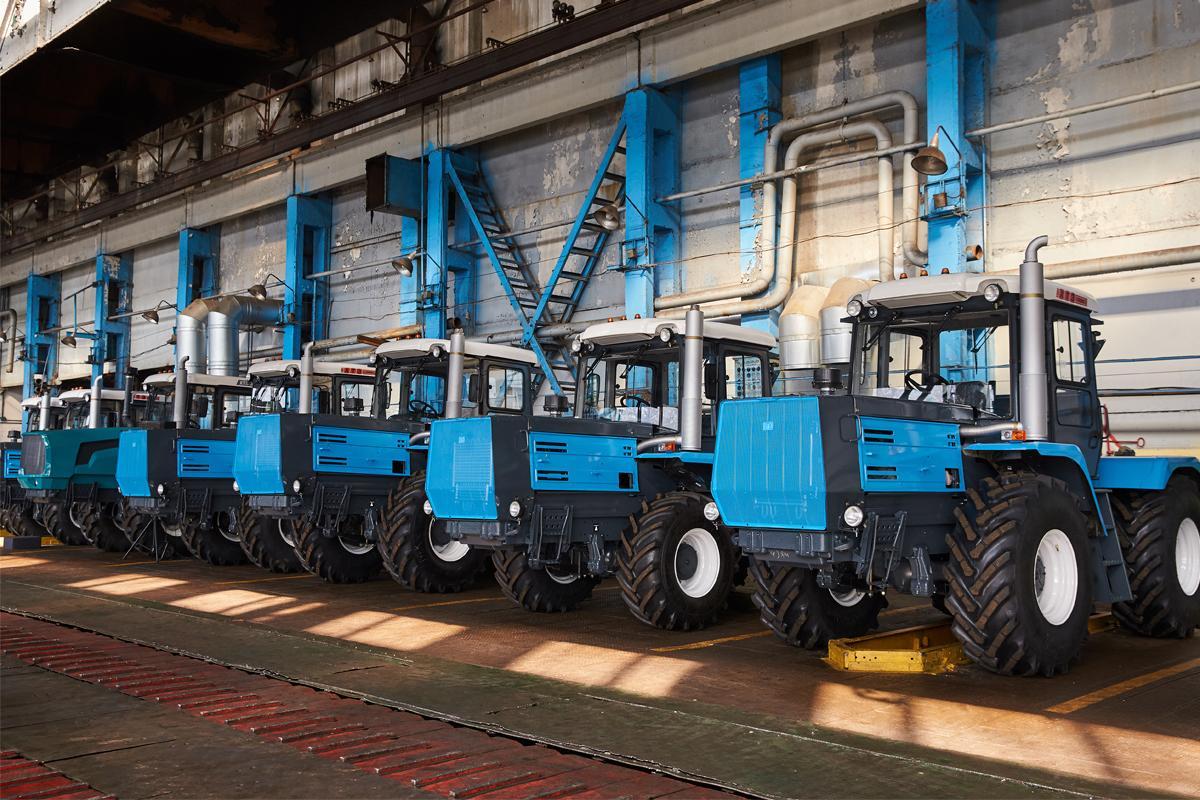 Харьковский тракторный завод выпустил 500 тракторов